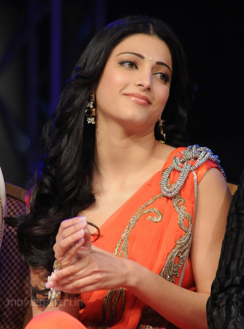 Shruti Haasan - Images Hot