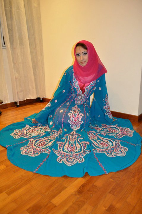 Exquisite Turquoise and Pink Beaded Arab Muslim Dress