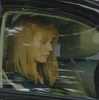 http://4.bp.blogspot.com/_6YBW5OgZA4E/SdtOjFbSZ-I/AAAAAAAAABs/e6Cxco-Y1YM/s200/Gwyneth+Paltrow+Iron+Man+2.jpg