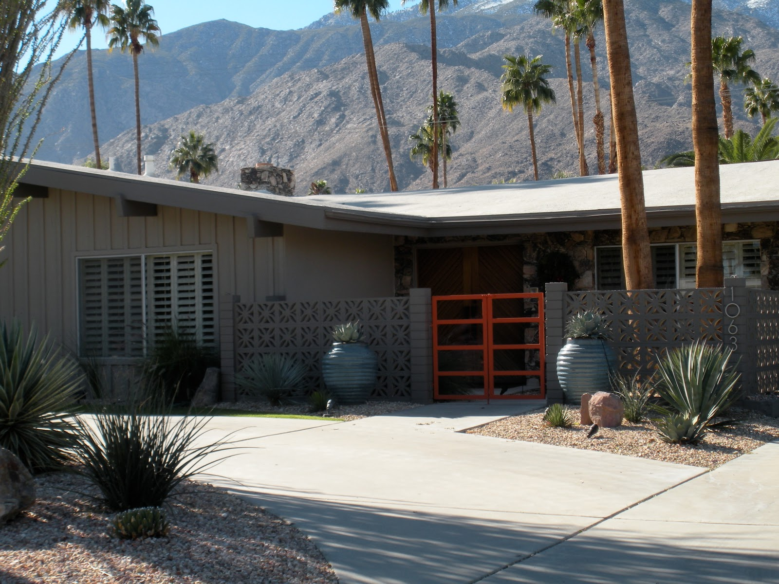 Russell hill palm springs area real estate palm springs for Buy house palm springs