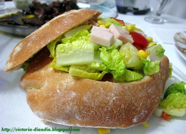 Pan con Ensalada