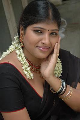 ARUNA INDIAN AUNT POSING