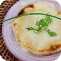 Soupe  l'oignon gratine (Onion soup)