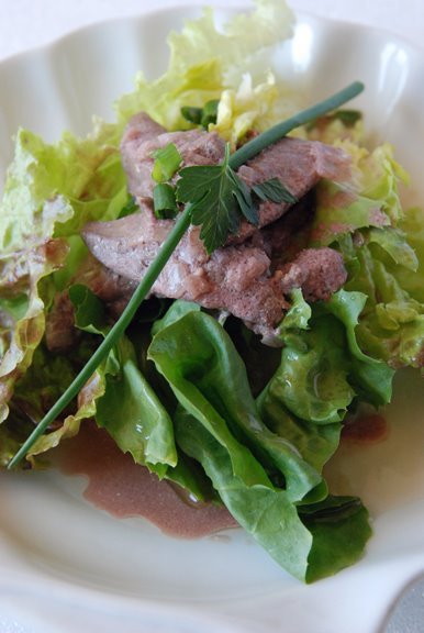Salade de Foies de Volailles Tiedes (Salad of Warm Sauted Chicken Livers)