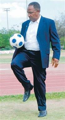 Osiris Guzmán El fútbol va en camino a la masificación en el país