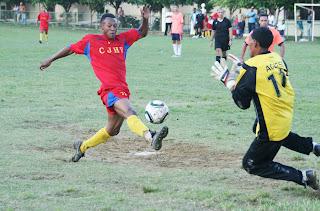 Pueblo Arriba triunfa y encabeza XXXIX Torneo de Fútbol Provincia Espaillat