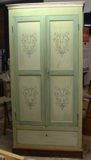 L 39 arte di restaurare restauro di un armadio con - Restaurare un mobile ...