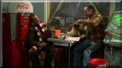 Zimmermann ve Ripley CocaCola reklamı eşliğinde
