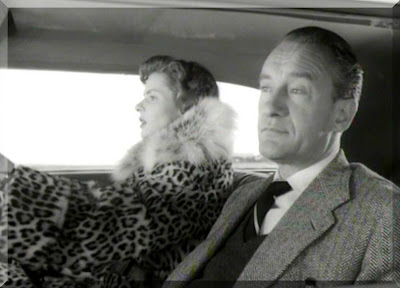 Katherine ve Alex Joyce Napoli'ye giderken...