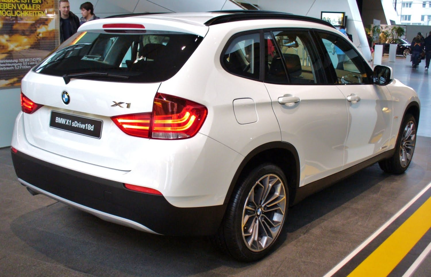 Bmw Suv X1 Price In India Bmw Suv X1 Features And