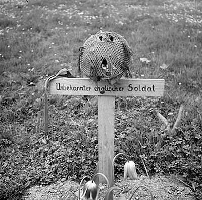 http://4.bp.blogspot.com/_6j7tL74iFI0/SxI_rFL7uCI/AAAAAAAAF4k/NQI3wqZ0TXQ/s400/Airborne_grave,_Arnhem_1945.jpg