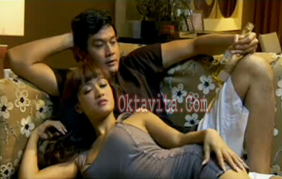 Film Istri Boongan: Ada Adegan Panas Julia Perez – Gaston Castanyo ...