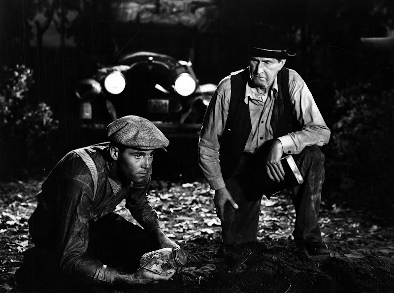 the survival of a migrant family in the grapes of wrath The grapes of wrath other characters table of steinbeck feels is necessary for the survival of the migrant are another migrant family looking for work.