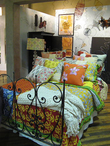 Reused consignment furniture bohemian style influence for Bohemian style bedroom furniture