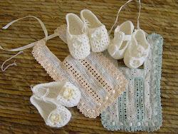 haken met kant en baby sokjes