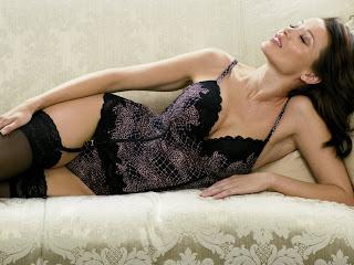 free Dannii Minogue image
