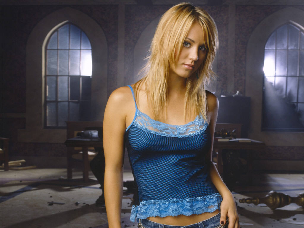 Kaley Cuoco Hot Photo