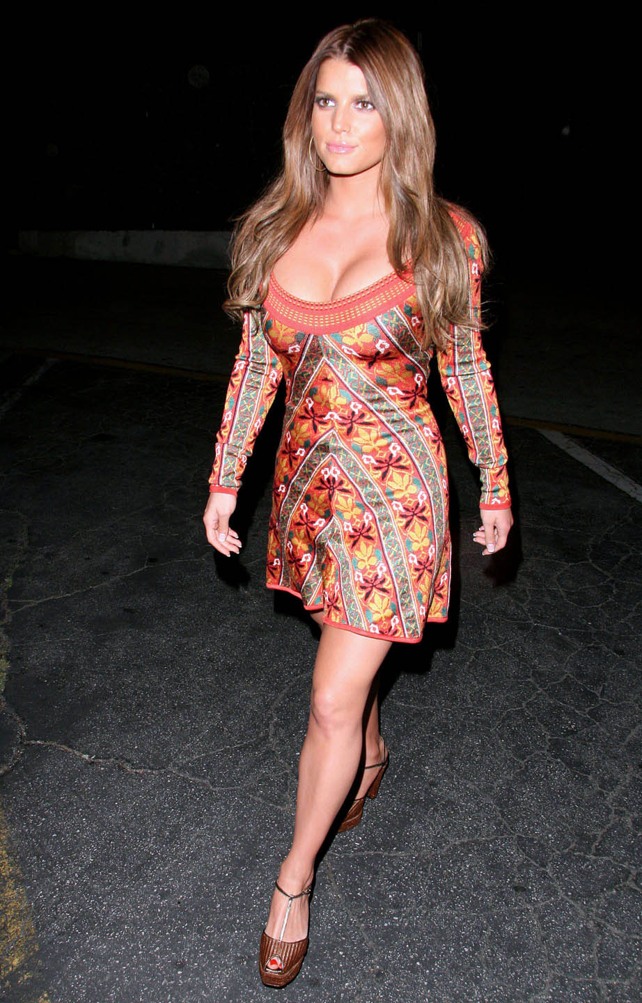 Jessica Simpson: Full-Figured and Finally Happy? and video