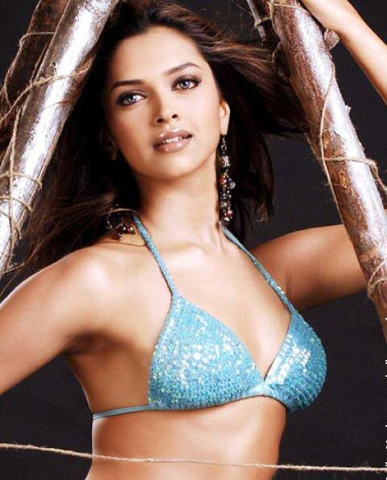 Deepika Padukone blue bikini hot picture