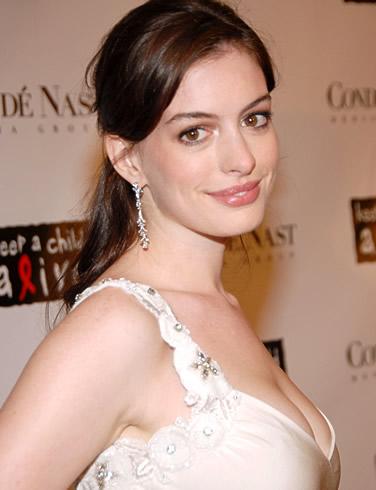 Anne Hathaway hot photo