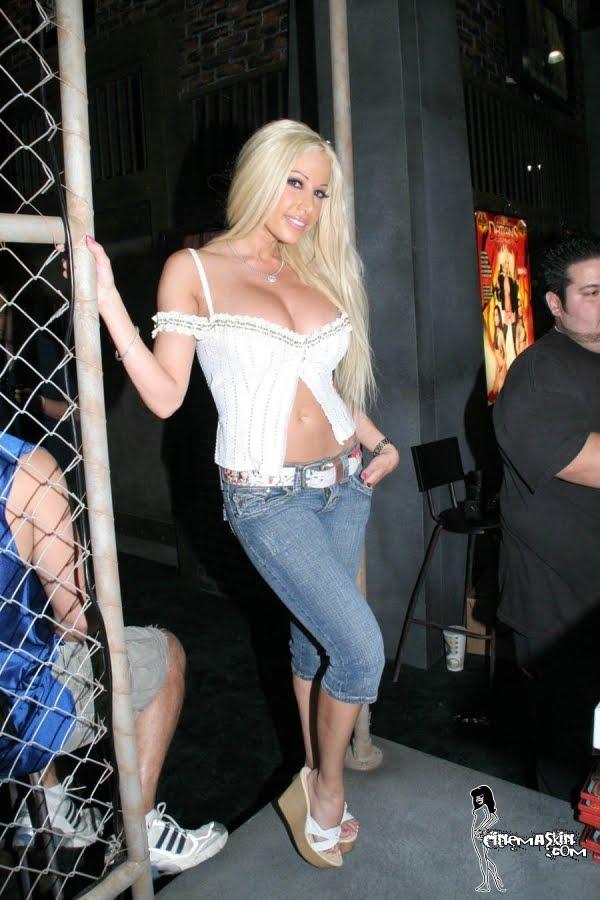 Gina Lynn sexy pic
