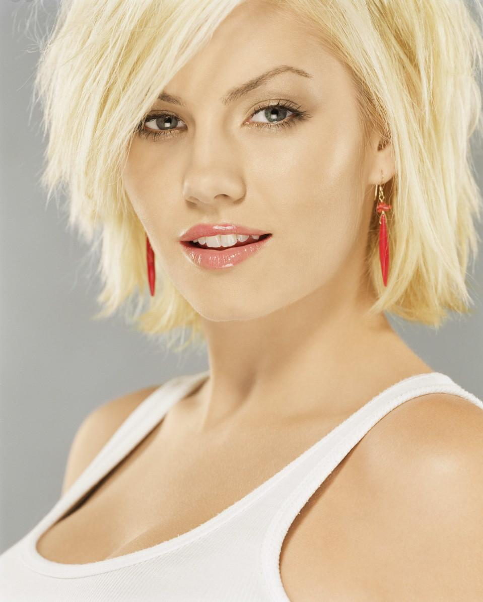 Elisha Cuthbert hot photo