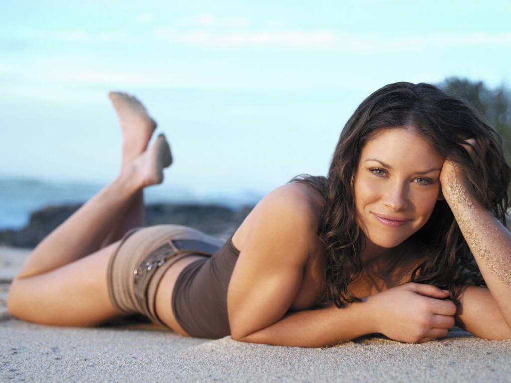 Evangeline Lilly hot photo