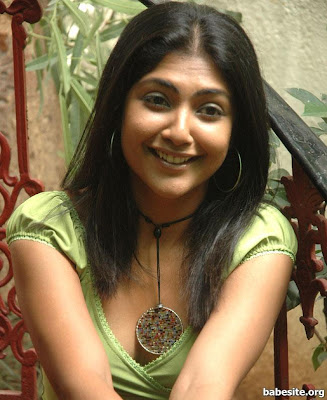 Kamalini Mukherjee hot picture