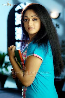 Kavya Madhavan sexy pic