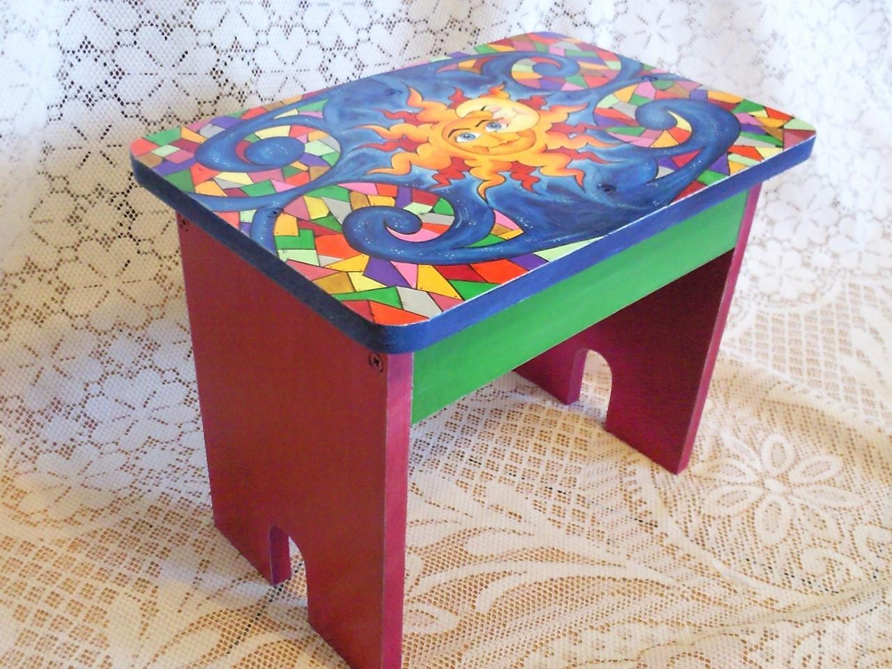 Yanibela dedales y m s uruguay banco infantil pintado - Banco de madera para cocina ...