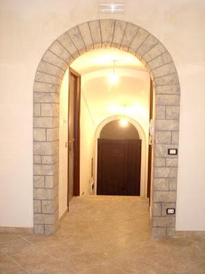 Claudio caruso decorazioni arco intonaco stampato effetto pietra roccia - Rivestimento arco interno ...