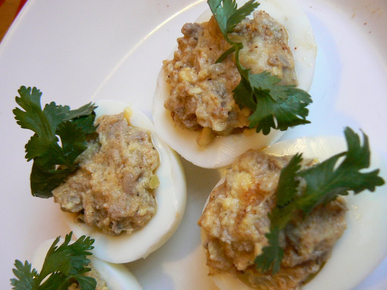 Cod liver with eggs: recipes with photos 35