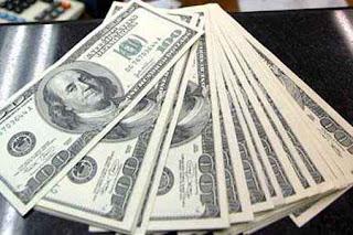 ¿Dólares?