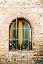 Montepulciano window