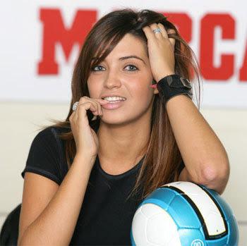 http://4.bp.blogspot.com/_6w5Fne5IdI4/SokoOWPjfDI/AAAAAAAAAbI/tDGDKt8KCWw/s400/Sara+Carbonero.jpg