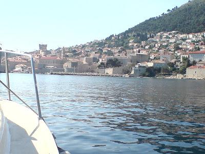 Til gamlebyen med båt