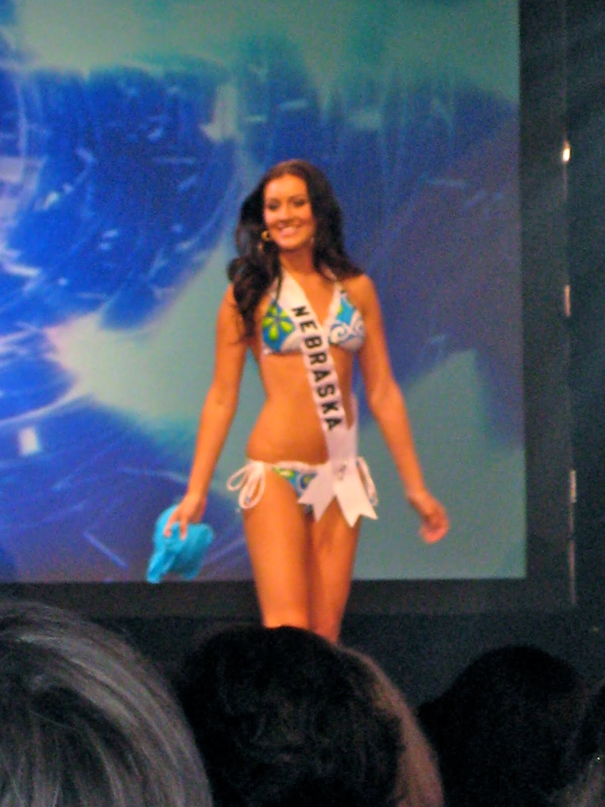 Amanda in swimsuit! Amanda in evening gown! All of the Miss Teen USA ...