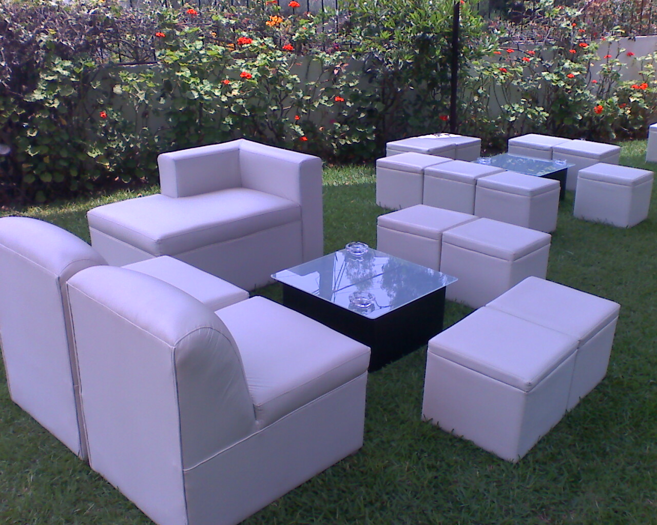 De gala lounge bar alquiler muebles lounge mobiliario for Muebles para bar lounge