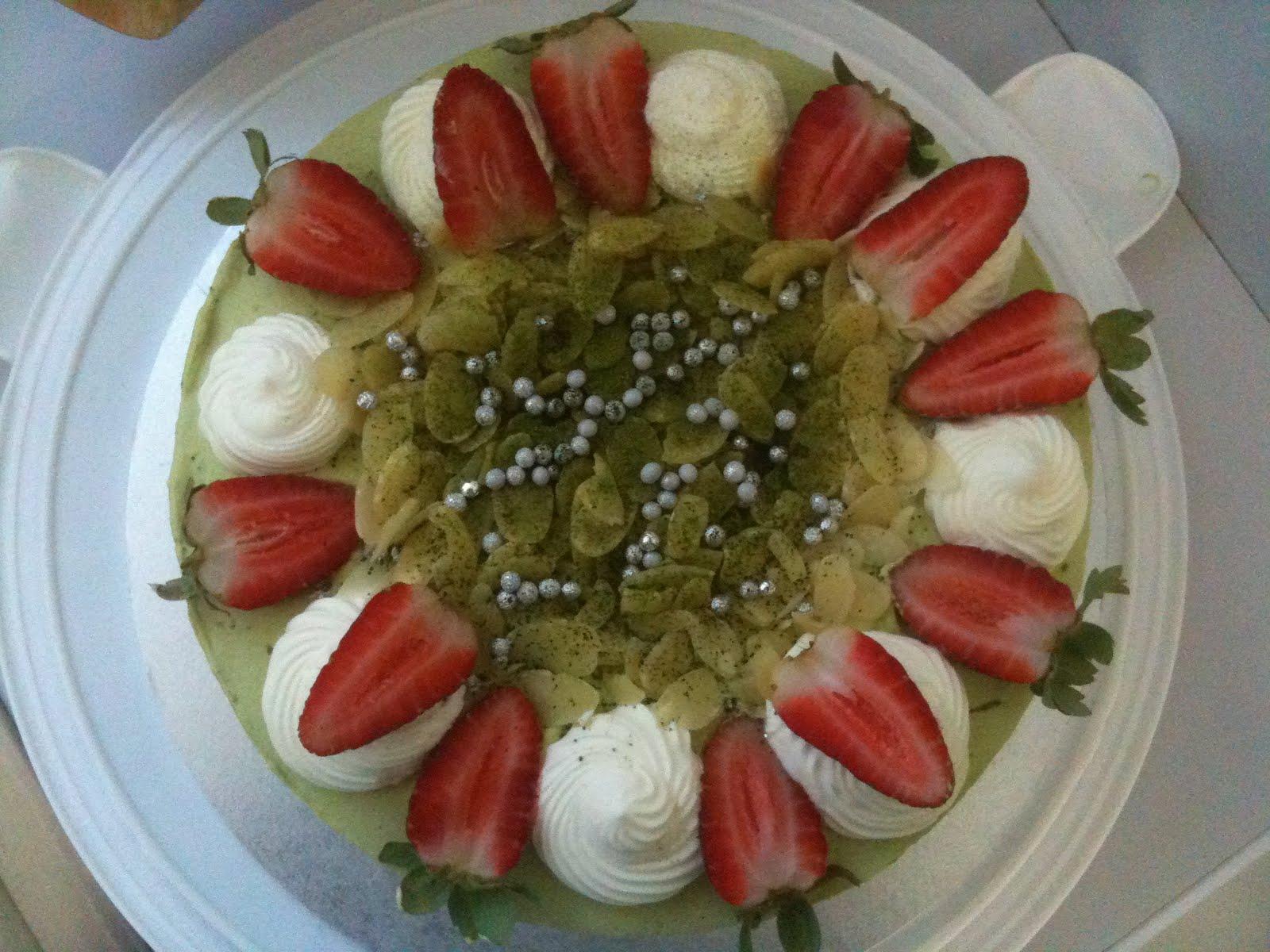 Mama Bea: Green Tea (Matcha) Red Bean Cake
