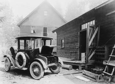 Первый серийный электромобиль