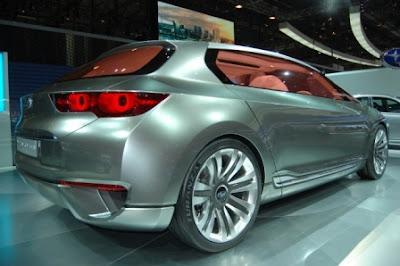 Гибридный автомобиль Subaru Hybrid Tourer