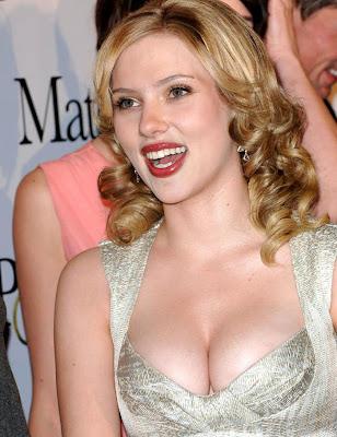 Scarlett Johansson breast size picture