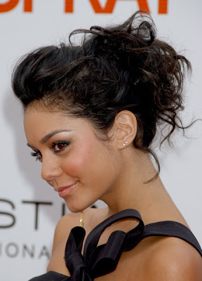 Vanessa Hudgens Hairstyle Image Gallery, Long Hairstyle 2011, Hairstyle 2011, New Long Hairstyle 2011, Celebrity Long Hairstyles 2032
