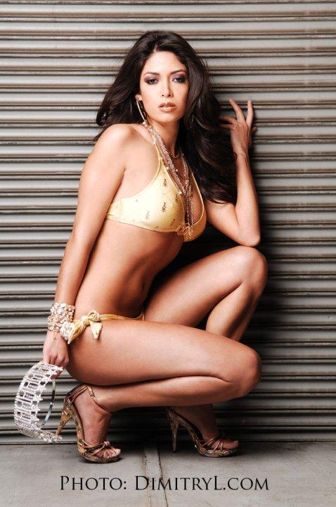 Miss California USA 2010 - Nicole Johnson 26461_1339835028301_1603934045_30852967_4179010_n