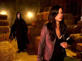scream 4 ghostface and courteney cox