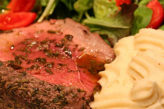 arrosto, carne, manzo, odori, noce, filetto, erbe aromatiche