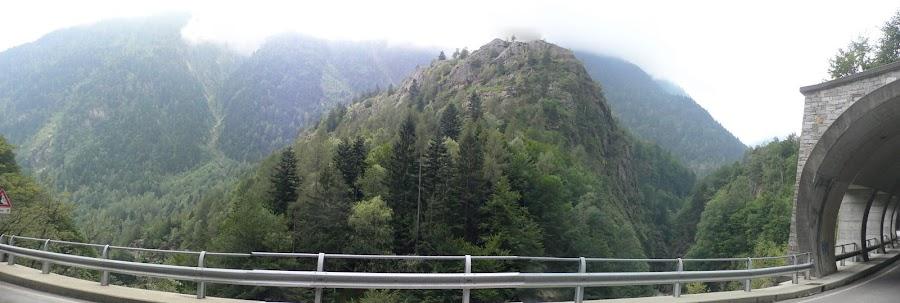 D'improvviso, viaggiando, una montagna...