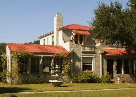 Historic homes in florida 1928 lakefront revival home for for Victorian homes for sale in florida