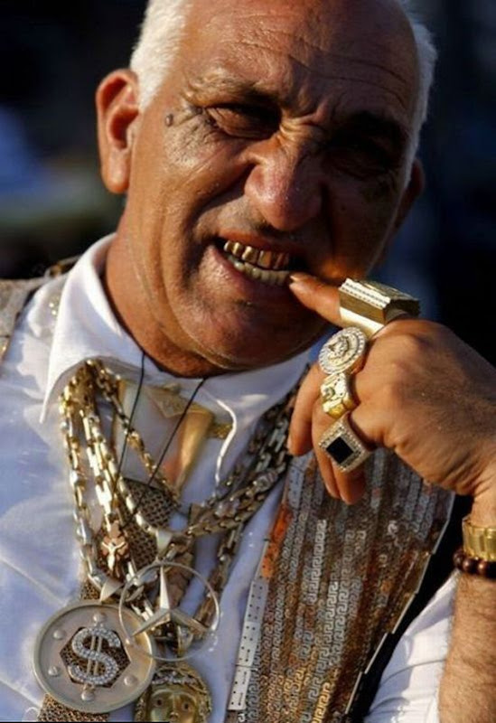 Gypsies With Incredible Gold Chains