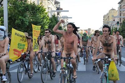 Pedaleando Desnudos